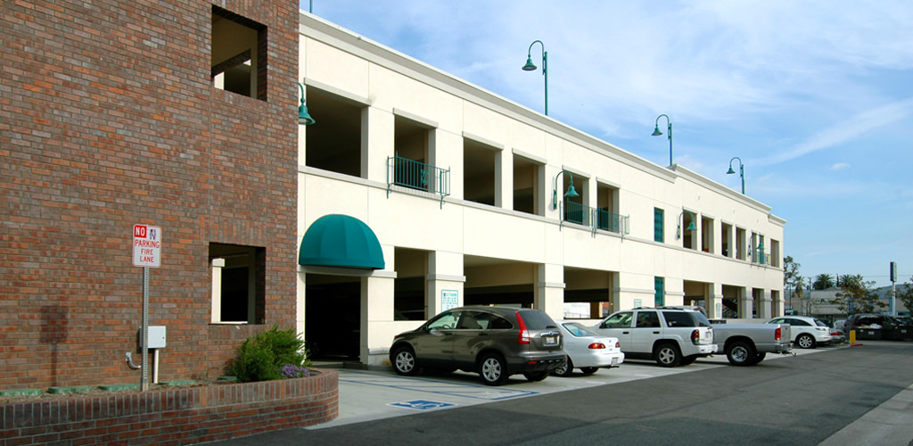 Slideshow image for Covina Downtown Parking Structure