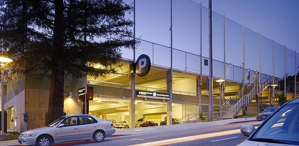 Slideshow image for UC Berkeley Underhill Parking Structure